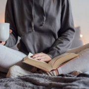 فواید فوق العاده کتاب خواندن بر بهبود زندگی و مغز